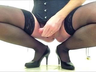 Lotte mastubates in hotel toilet for wife and mistress