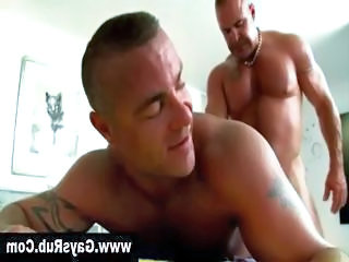 Straight muscley hunk turns gay to fuck bear