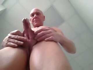 Scrotum Split by expert19612005