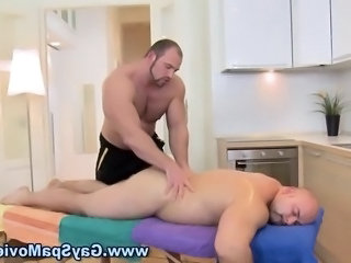 Bear masseur rubs a bear straighty