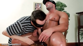 Muscled Stud Gets His Amazing Penis Part1