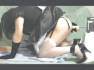 Tiziana Maid - Play with fuck-machine