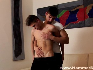 Videos from xxxgayx.com