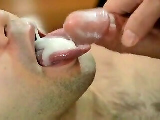 Videos from airgayporn.com
