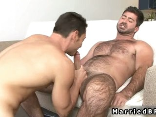 Videos from hotmanhub.com